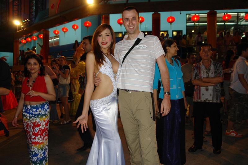 ladyboy-pattaya-locali-thailandia