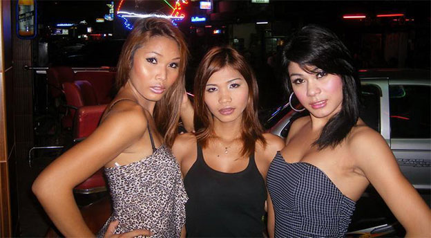 distingure un ladyboy della thailandia