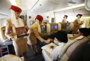 emirates-hostess-thailandia
