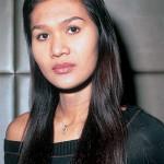 """Nong Toom nota per il suo successo nella lotta Muay Thai. La sua storia è divenuta famosa al livello internazionale grazie al film """"Beautiful Boxer"""""""